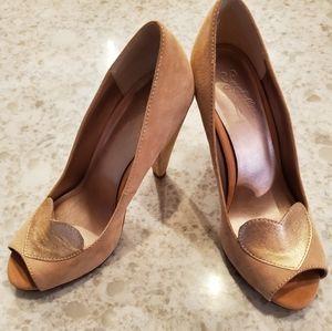 Seychelles pink suede heart heels 7.5